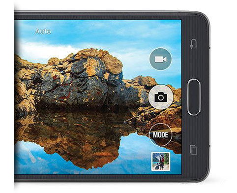 Interact with an immersive Quad HD Super AMOLED display